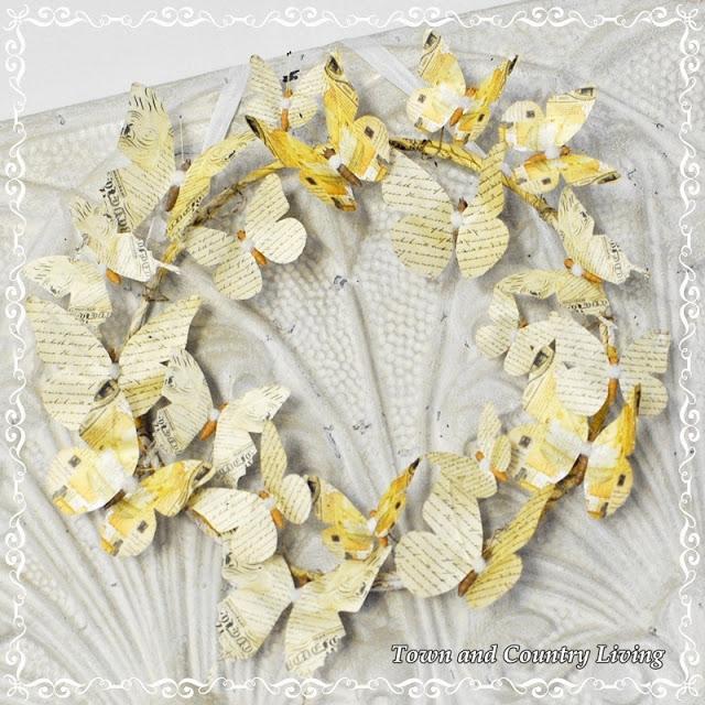 Венки с бабочками из газет, нотных и книжных страниц. Винтажные идеи (10) (640x640, 145Kb)