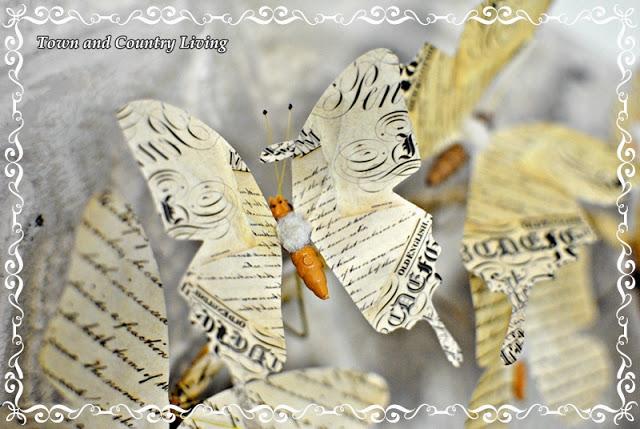 Венки с бабочками из газет, нотных и книжных страниц. Винтажные идеи (15) (640x429, 93Kb)