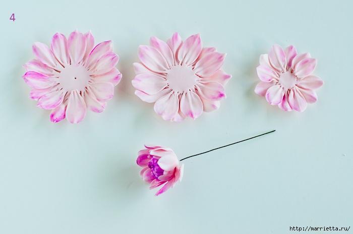 Хризантемы и георгины из сахарной мастики для украшения торта (8) (700x465, 111Kb)
