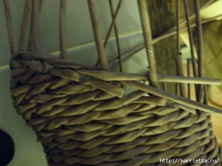 пасхальная курочка из газетных трубочек (45) (448x336, 75Kb)
