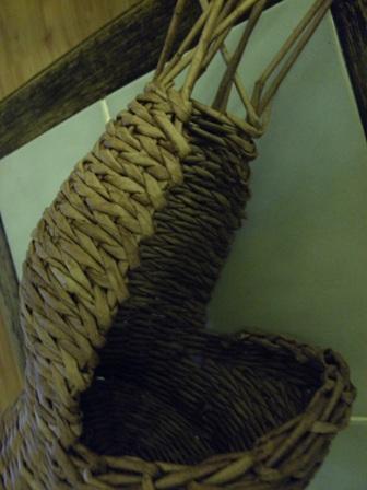 пасхальная курочка из газетных трубочек (63) (336x448, 59Kb)