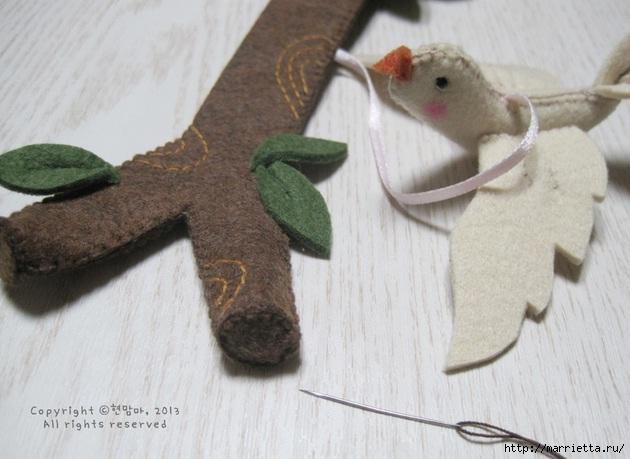 Шьем веточку с птичкой из фетра. Фото мастер-класс (17) (630x459, 148Kb)