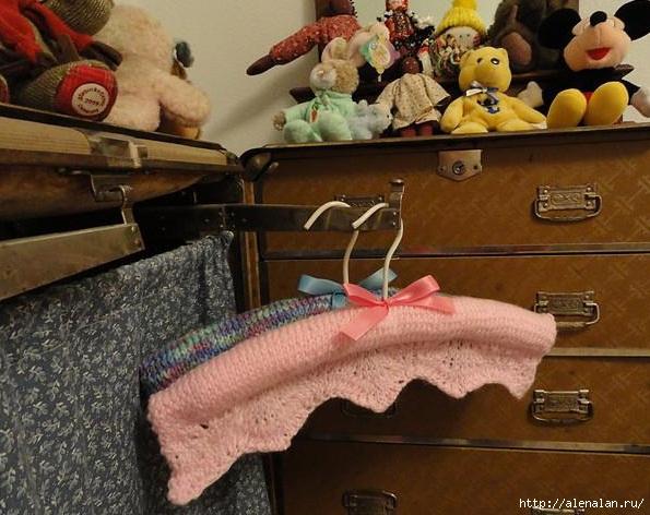 вешалка для детской одежды1 (595x472, 182Kb)