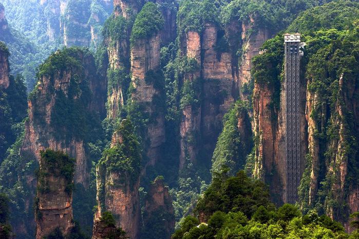 самый высокий лифт в мире фото/4552399_lift_bailong_kitai_foto (700x465, 211Kb)