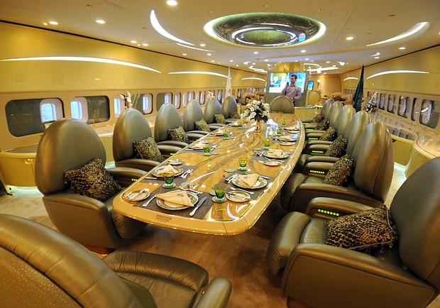 самолет Boeing 747-700 принца аль–Валид бин Талала 5 (620x434, 93Kb)
