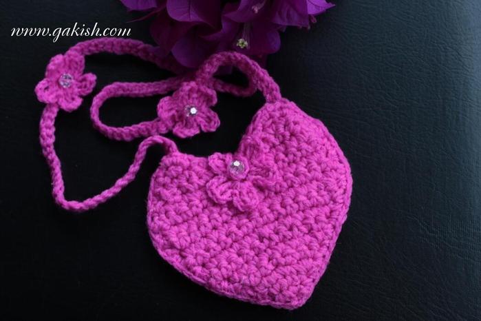 Выбирайте вместе с дочкой или внучкой: сумочка-люлька для куколки, зайчик, клубничка или гламурное сердечко?