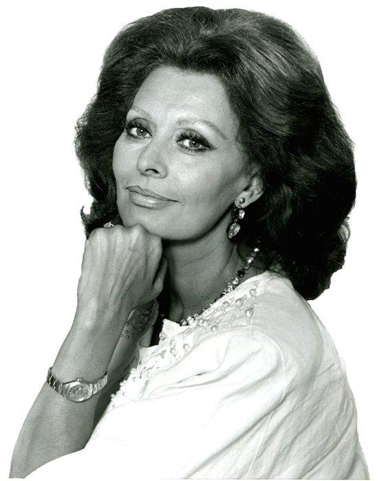 Sophia Loren 1986 (561x700, 57Kb)