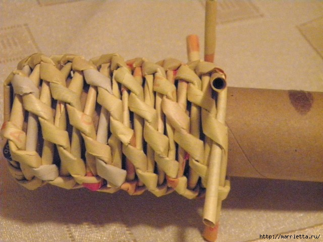 плетение из газет. венок спиральным плетением для пасхального декора (17) (640x480, 148Kb)
