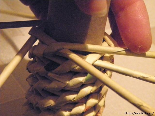 плетение из газет. венок спиральным плетением для пасхального декора (21) (640x480, 148Kb)
