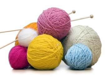 93544235_large_55872933_1267462631_knitting (350x254, 30Kb)