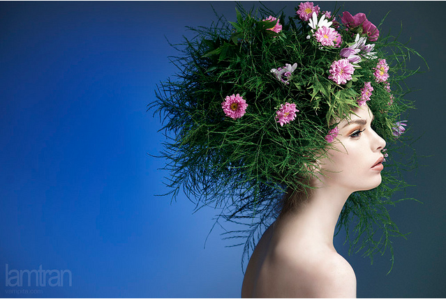женщина цветы (639x429, 462Kb)