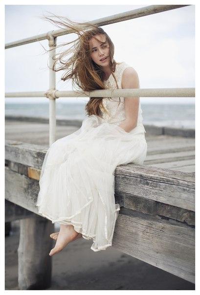Харун Яхья,почему птицы остаются на месте,море,девушка в белом,белое платье,морской