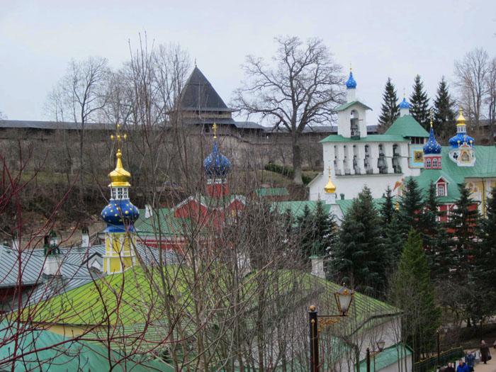 01 Псково-печерский монастырь (700x525, 147Kb)