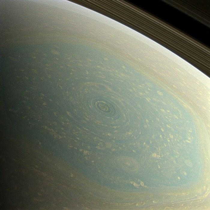ураган на сатурне фотографии  NASA (700x700, 83Kb)