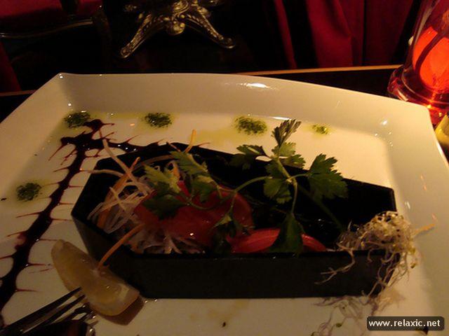Vampire Cafe в Токио_5_х (640x480, 41Kb)