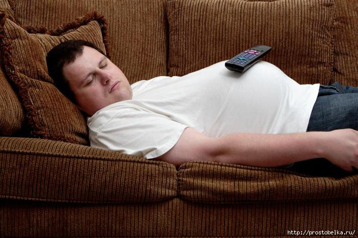 guy-on-couch (700x465, 195Kb)