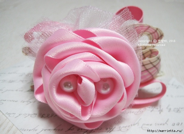 роза из атласной ленты (2) (627x458, 143Kb)