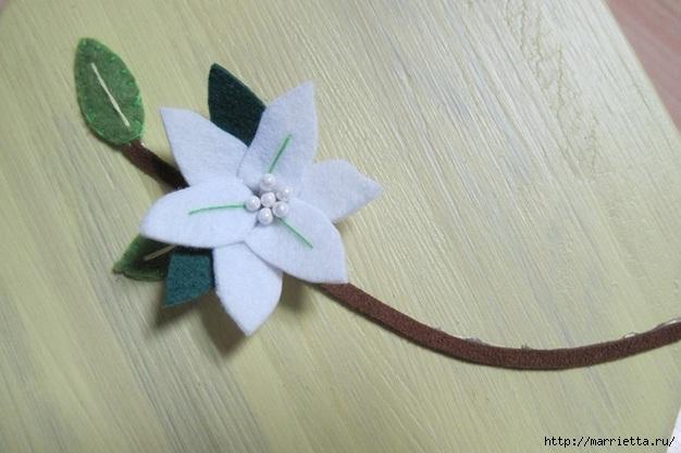 Белые цветы из фетра. Панно своими руками (17) (626x417, 140Kb)
