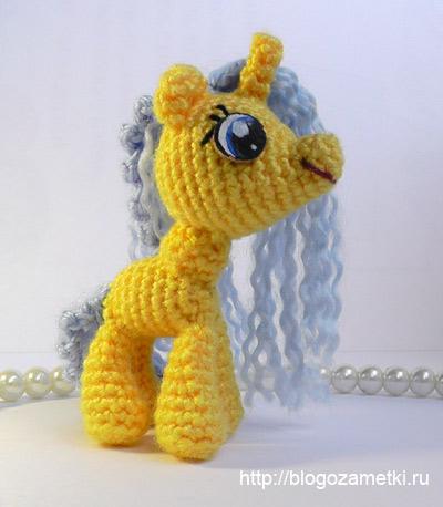 Описание маленькой пони