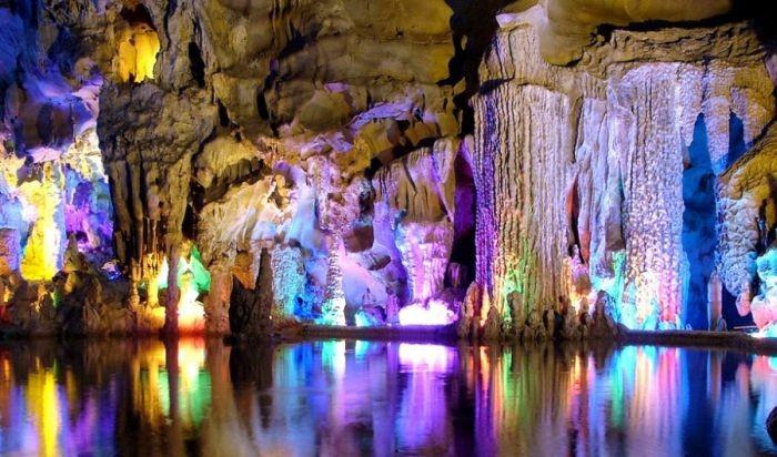 пещера Тростниковой Флейты китай фото 2 (700x412, 91Kb)