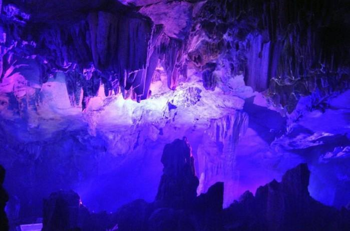 пещера Тростниковой Флейты китай фото 4 (700x463, 72Kb)