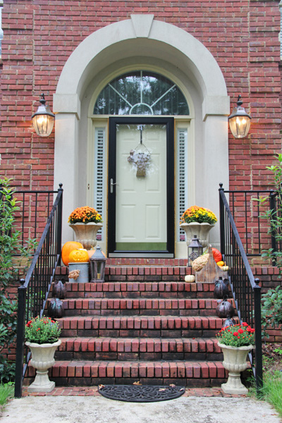 fall-front-porch-decorating-ideas-008 (400x600, 200Kb)