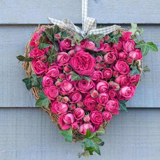 valentines-day-gifts-for-him-and-her-2012-rose-heart (550x550, 104Kb)
