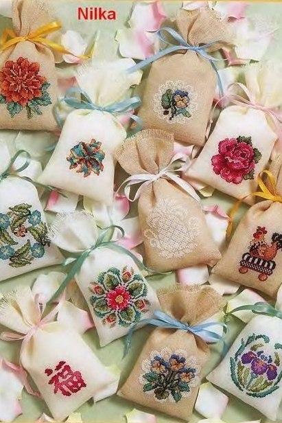 Вышиваем красивые мешочки для