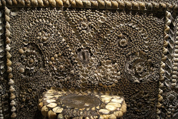 грот ракушек в англии фото 8 (700x466, 180Kb)