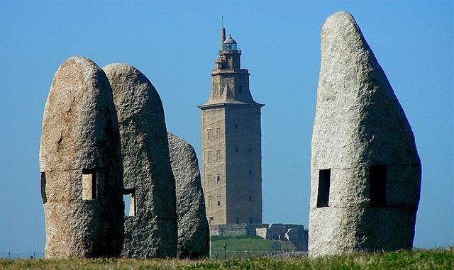древний маяк башня геркулеса испания 3 (640x381, 91Kb)