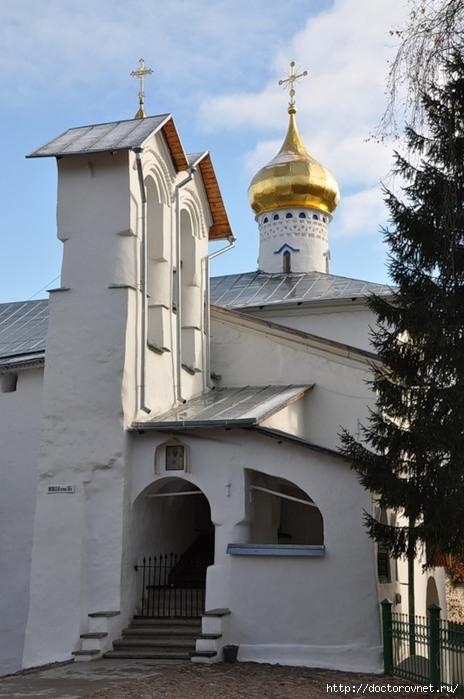 Псково-Печерский монастырь26 (464x700, 174Kb)