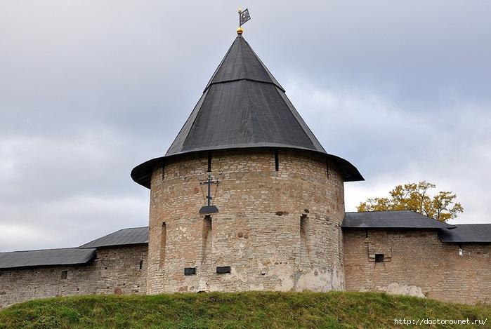 Псково-Печерский монастырь21 (700x469, 200Kb)