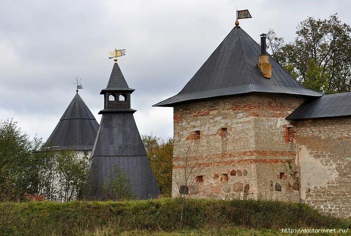 Псково-Печерский монастырь20 (700x470, 260Kb)