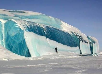 Замерзшая волна в Антарктиде (425x309, 19Kb)