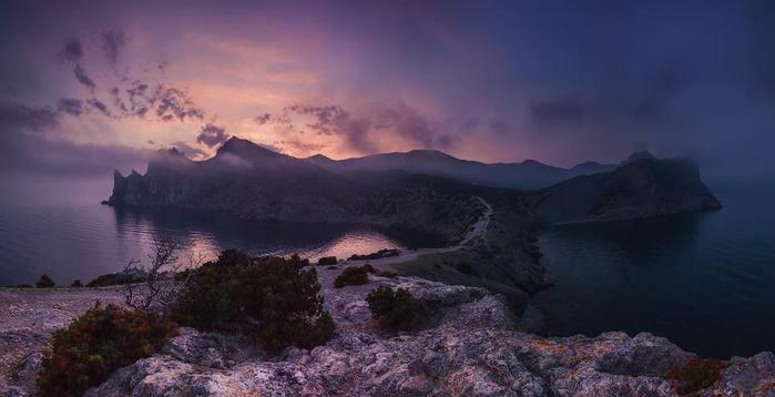 Мыс Капчик, Новый свет, Крым, Украина (700x358, 29Kb)