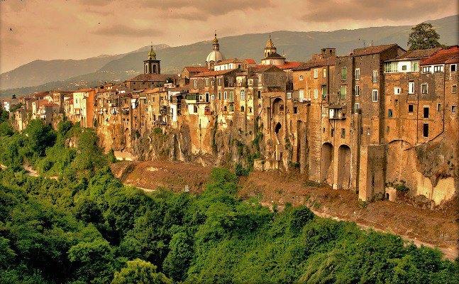 Сант'Агата-де'-Готи. Италия (647x400, 106Kb)
