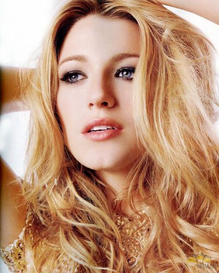 3085196_1318335871_blakelively (450x560, 59Kb)