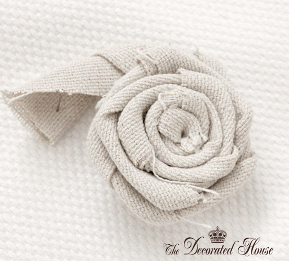 The Decorated House Fabric Flower Tutorial  5 (569x515, 96Kb)