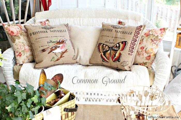 вышивка гладью на мешковине. подушки с птичками и бабочками (1) (700x466, 322Kb)