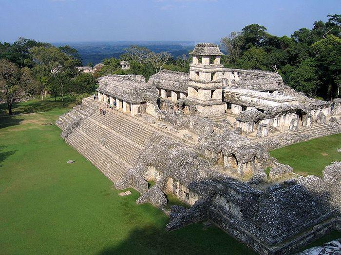 800px-Palenque_16 (700x525, 109Kb)