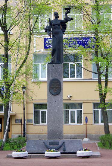 Памятник студентам и преподавателям первого меда/1413032_IMGP8770 (372x550, 122Kb)