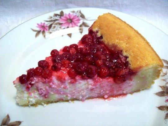 Бисквитный пирог с брусникой и творогом (1) (540x405, 39Kb)
