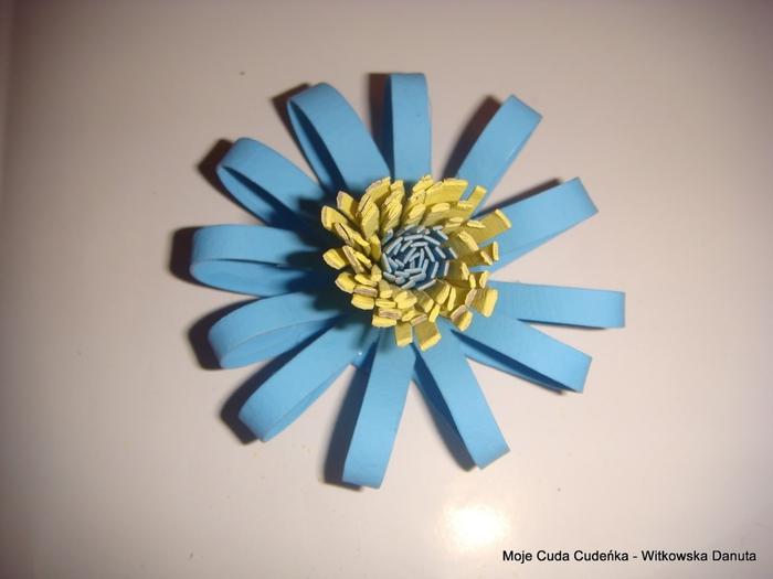 Цветы из бобинок от туалетной бумаги (24) (700x525, 158Kb)