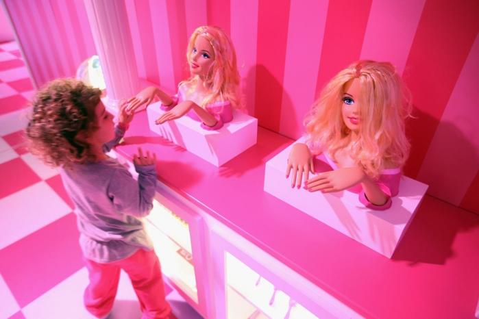 4552399_Barbie_Dreamhouse_Experience__ (700x466, 192Kb)
