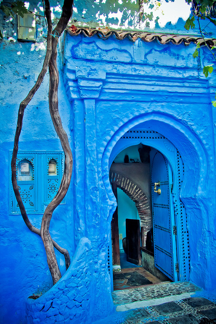 02-Blue Door of Chefchaouen, Morocco (427x640, 294Kb)