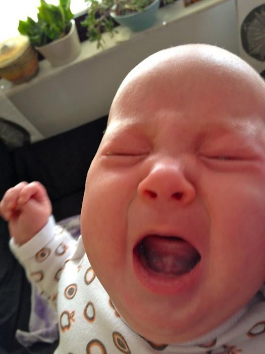 дети плачут 15 (525x700, 57Kb)