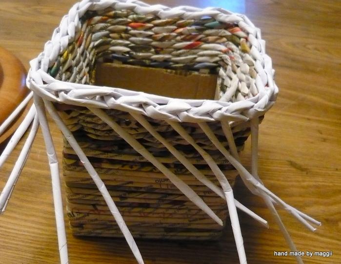 плетение из газет. корзинка с декупажем (12) (700x542, 342Kb)