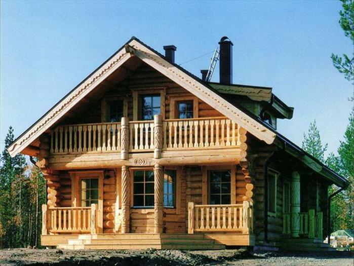 И, конечно, на участке обязательно должна быть баня.  Как водится - деревянная, на березовых дровах.