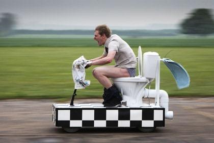 Британец сконструировал скоростной унитаз