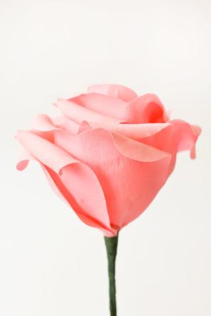 гигантские розы из гофробумаги (33) (297x445, 17Kb)